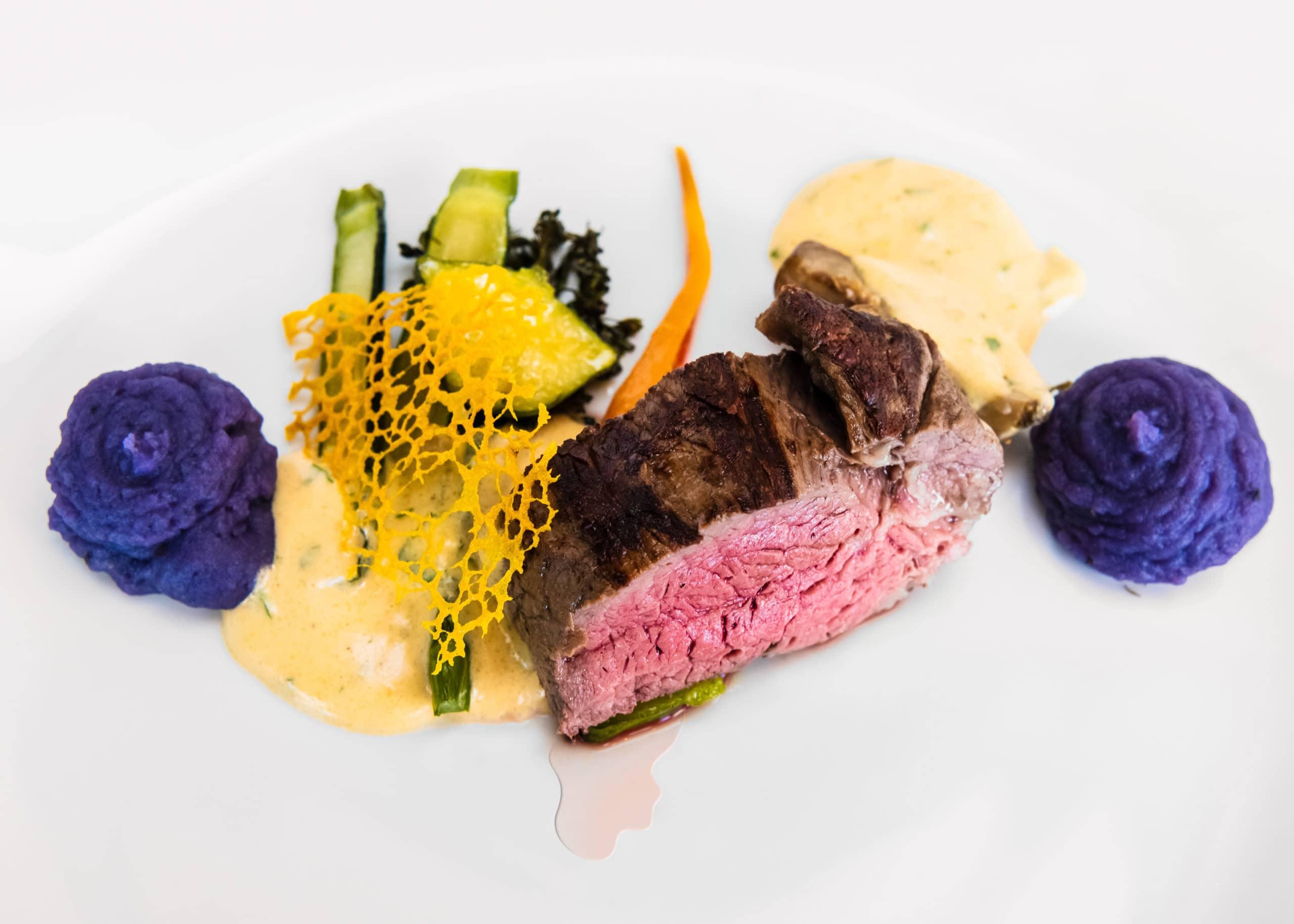 Food Aufnahme einer Hauptspeise in einem Sterne Restaurant | Fotograf in der Region Osnabrück Münster Bielefeld für Foodfotografie