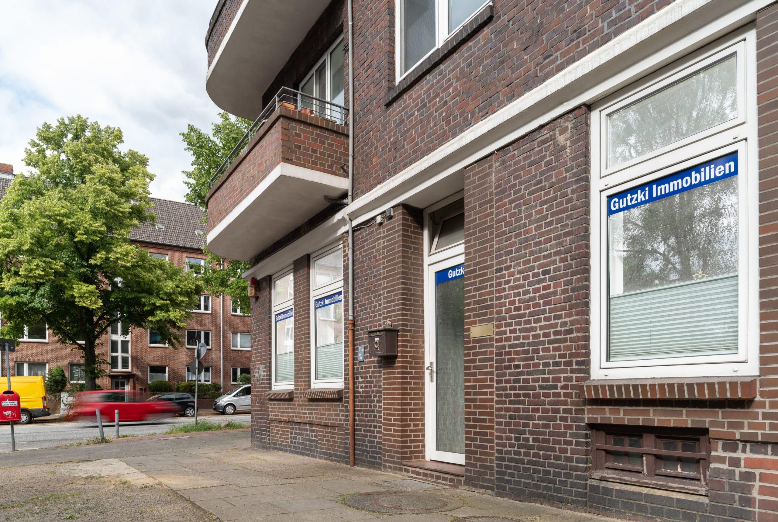 Außenaufnahme eines Unternehmens für Immobilien Verwaltung in Hamburg  Fotograf in der Region Osnabrück Münster Bielefeld für Unternehmensfotografie